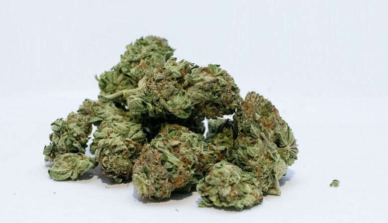 leichte Cannabis Blüten marihuanabutter