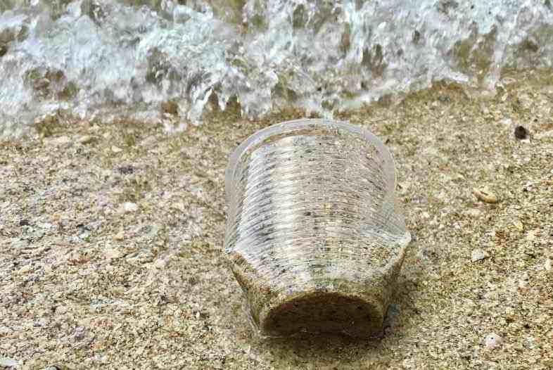 Hanfplastik gegen Umweltverschmutzung.